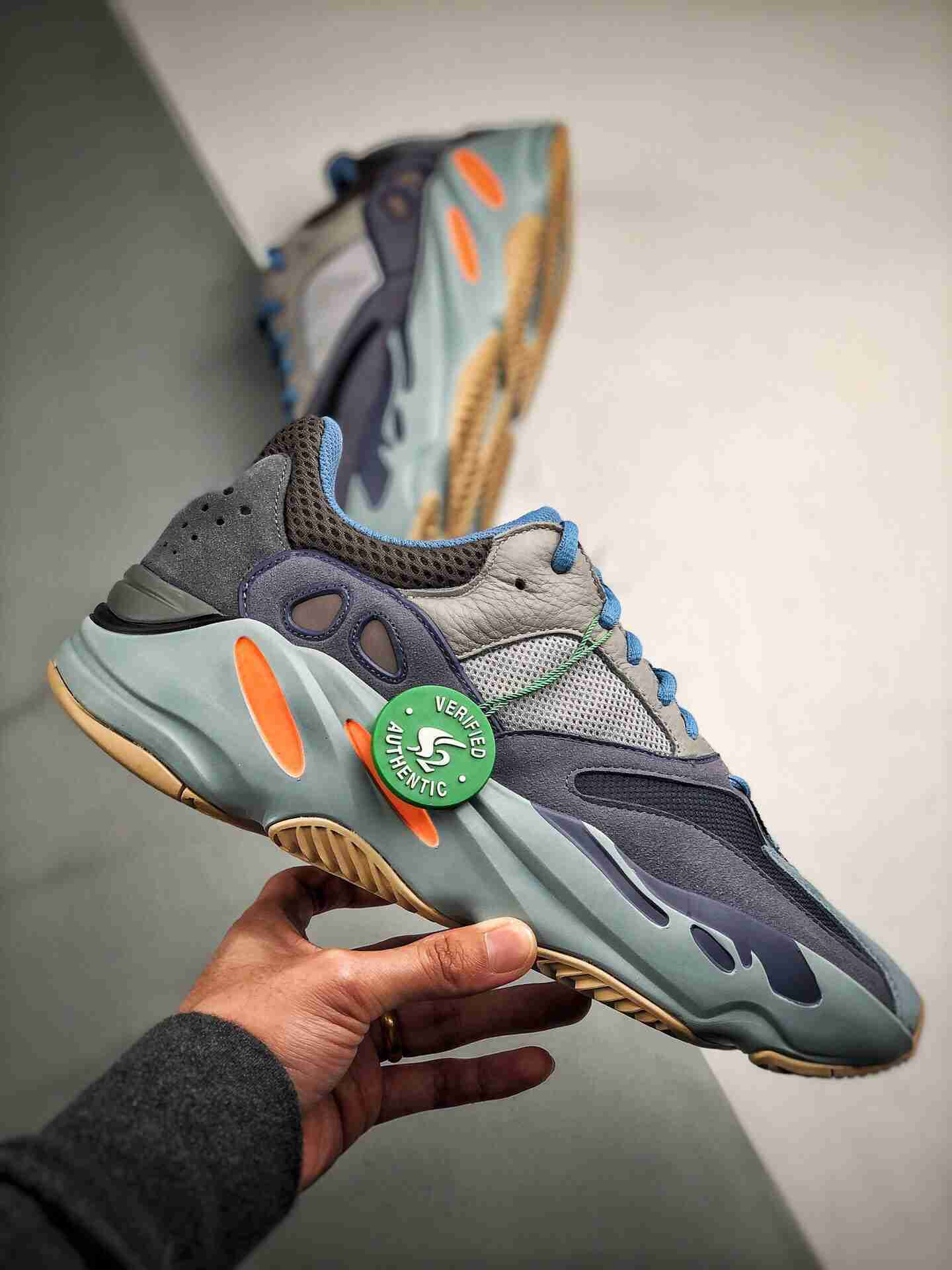 "Adidas Yeezy 700 Boost ""Carbon Blue""  碳蓝"