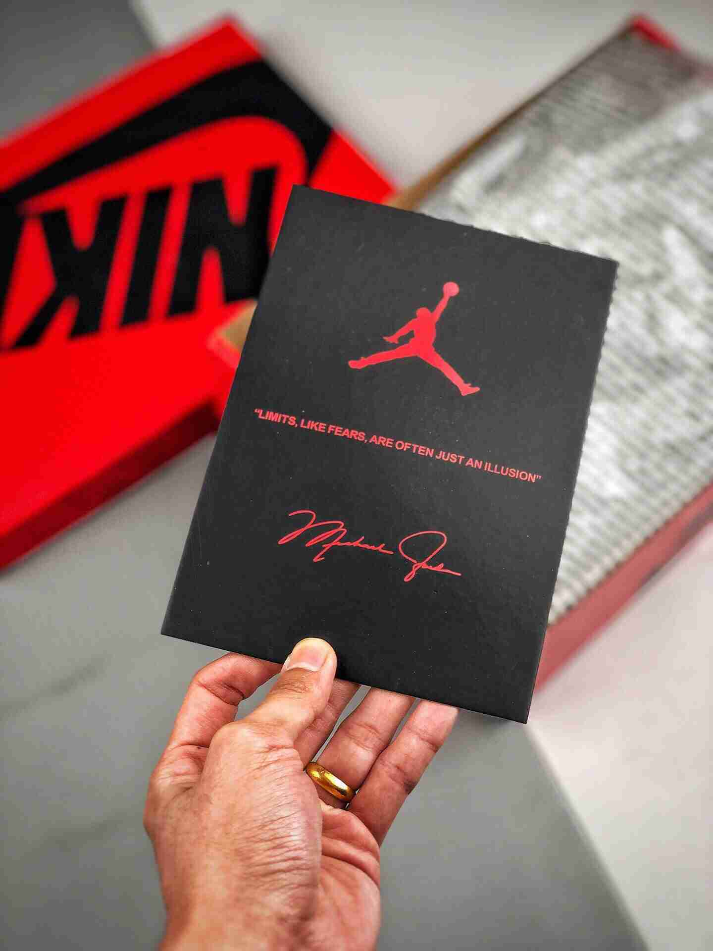 "Edison Chen X Air Jordan 1 MID ""Fearless""白丝绸"