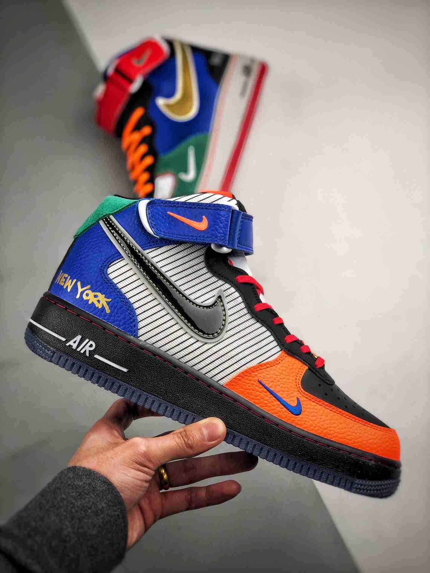 """Air Force 1 Mid """"What The NYC""""   纽约尼克斯城市限定"""