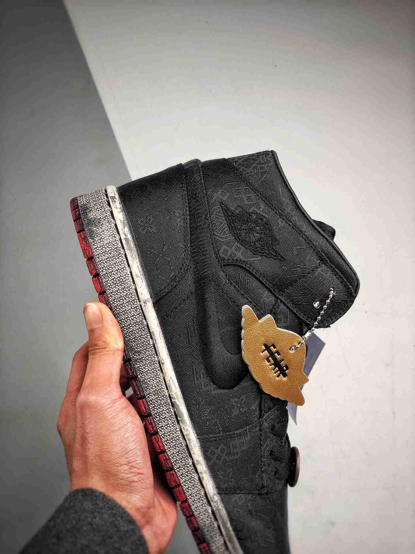 """CLOT x Air Jordan 1 Mid """"Fearless"""" 乔一中帮 做旧黑丝绸 双层可撕版本"""