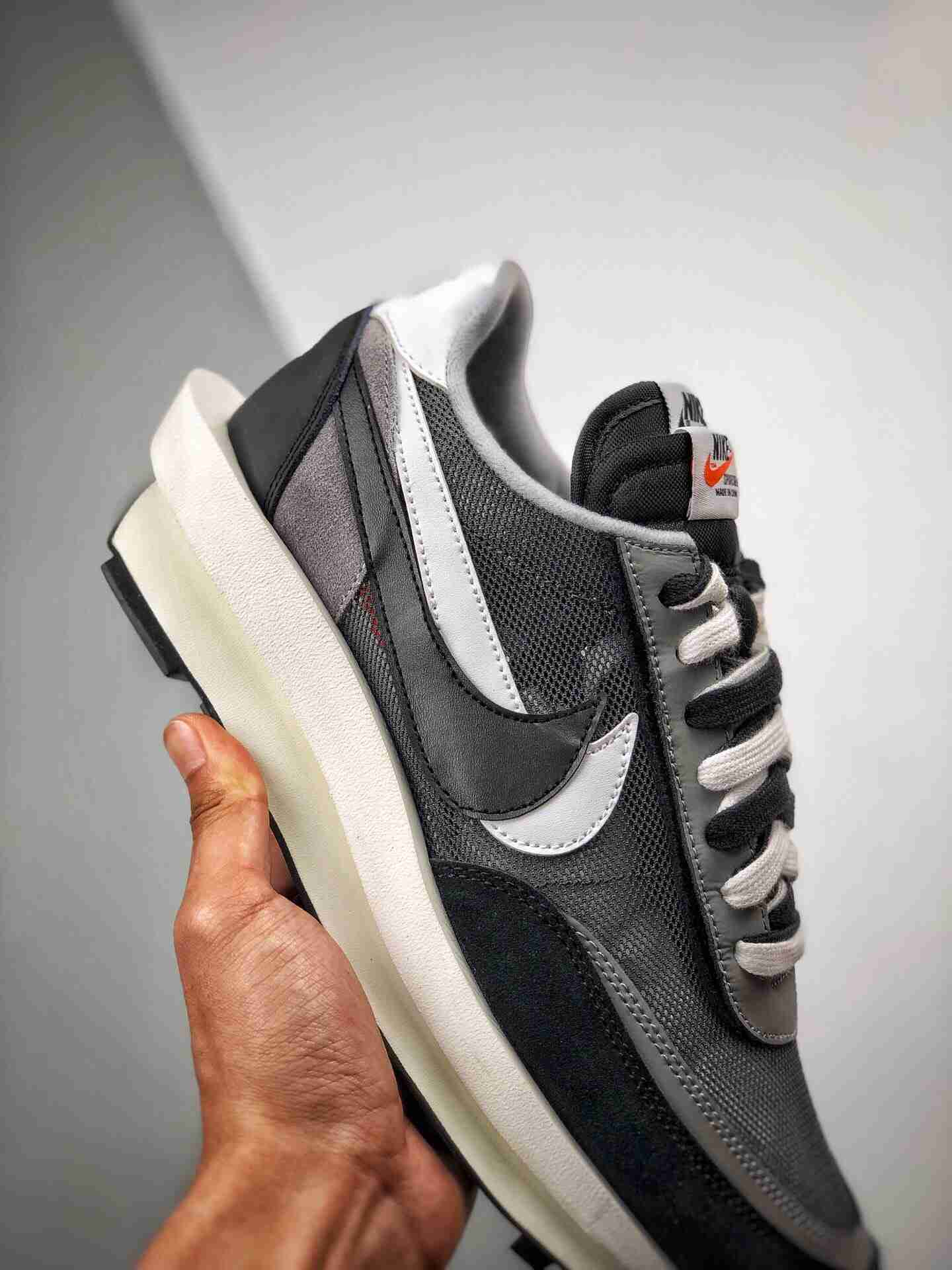 Sacai x Nike LVD Waffle Daybreak  解构高端跑鞋