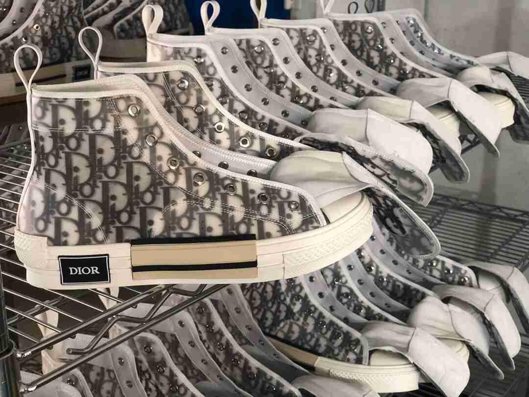 复刻市场历史最强Dior 先行预热 明天开阀上架‼