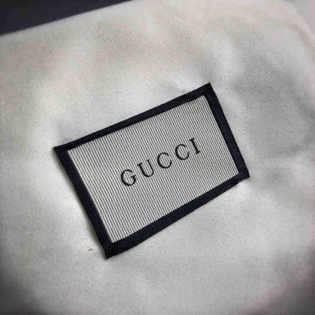 Gucci小蜜蜂