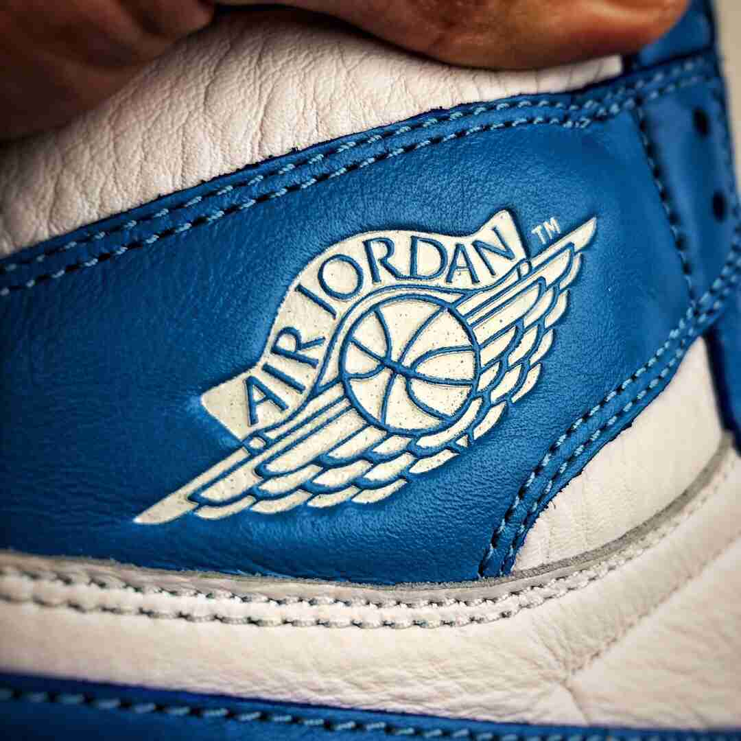 Air Jordan 1 校园北卡蓝